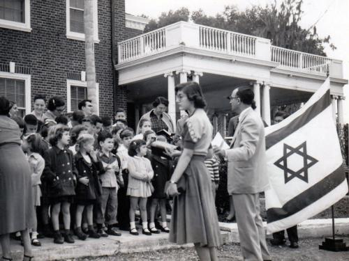 Sunday School in front of Mansion c.. 1951
